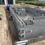 RS Entreprenørfirma igang med opbygning af beton pool