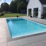 Swimmingpool lavet af beton