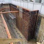 kældertrappe væg støbt i beton