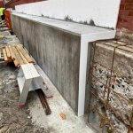 betonmur som er igang med at blive lavet